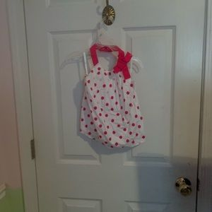 Old Navy around the neck tanks pink and white 5t